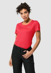 Jack Wolfskin - TECH - Basic T-shirt - tulip red - 0