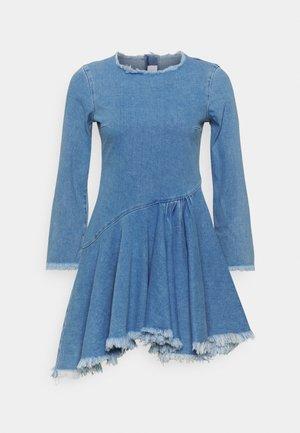 FRAYED DRESS - Jeanskleid - light blue