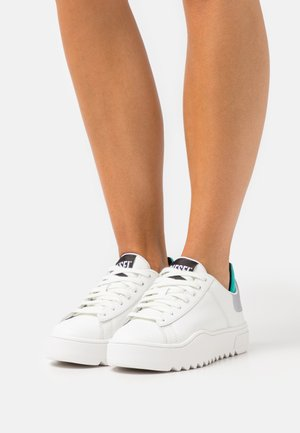 S-SHIKA LOW LACE W - Trainers - white/turquoise