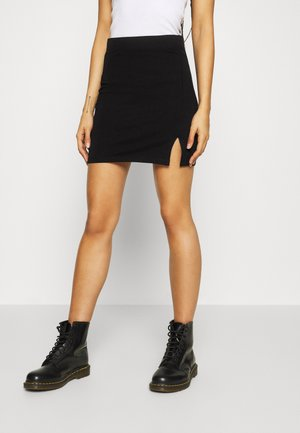 Basic mini skirt with slit - Mini skirts  - black
