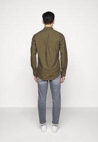Polo Ralph Lauren - SLIM FIT OXFORD SHIRT - Koszula - defender green - 2