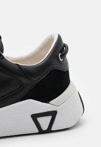 Guess - MODENA - Sneakers - black - 5