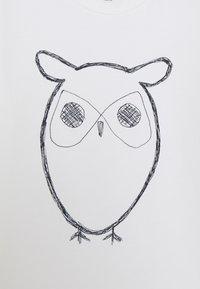 KnowledgeCotton Apparel - FLAX OWL - Triko spotiskem - white - 2