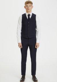 Matinique - BRECK STRETCH - Suit waistcoat - navy blazer - 0