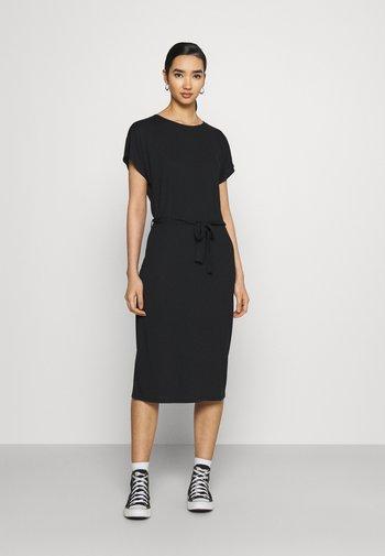 JDYURBAN GABRIELLA BELT DRESS - Jersey dress - black