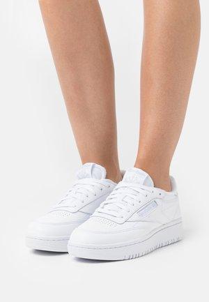 CLUB C DOUBLE - Zapatillas - footwear white/cold grey