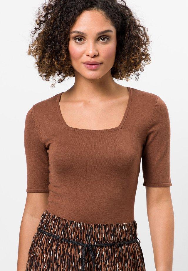 Basic T-shirt - almond