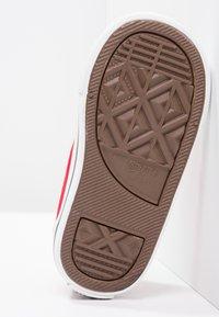 Converse - CHUCK TAYLOR ALL STAR CORE - Zapatillas - red - 4