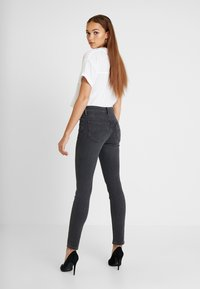 Lee - SCARLETT HIGH - Jeansy Skinny Fit - black bucklin - 2