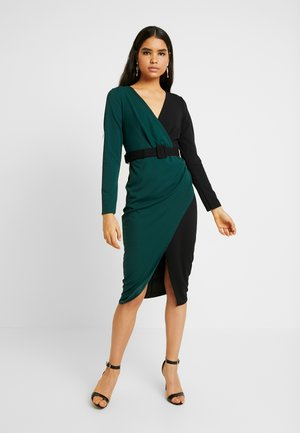 CONTRAST DRESS - Shift dress - black/forest green