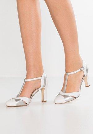 High Heel Pumps - white