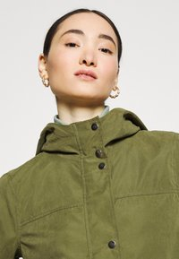 JDY - JDYNEWHAZEL SHINE JACKET - Summer jacket - winter moss - 3