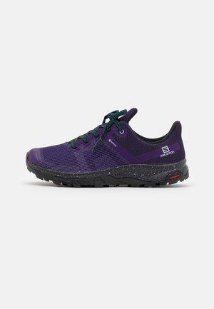 OUTLINE PRISM GTX - Hiking shoes - grape/black/deep teal