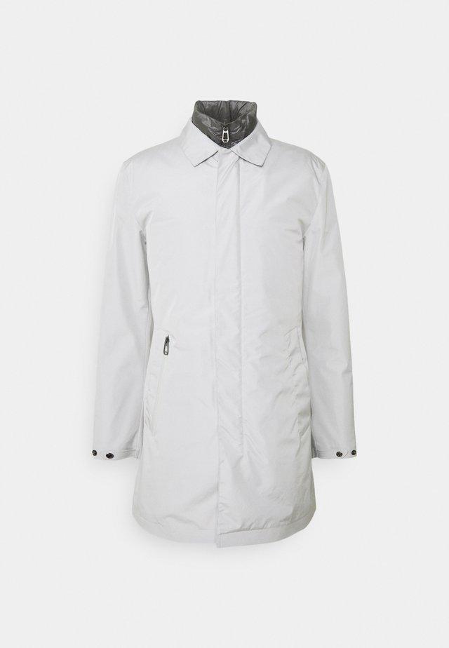 KRIS 2 IN 1 - Short coat - light pastel grey