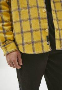 PULL&BEAR - Shirt - yellow - 4