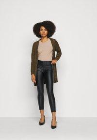 VILA PETITE - VICOMMIT COATED PANT - Pantalon classique - black/silver - 1