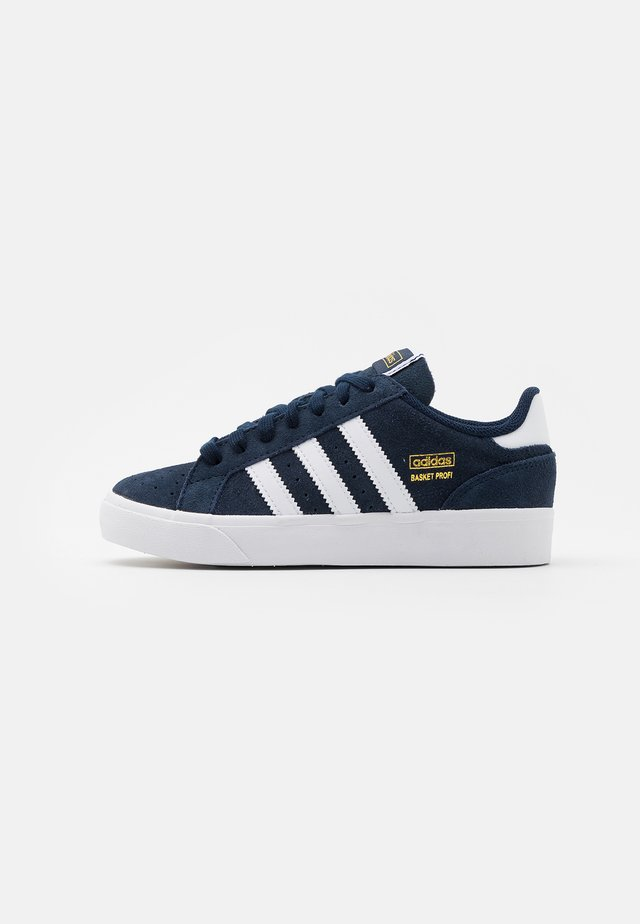 BASKET PROFI UNISEX - Sneaker low - collegiate navy/footwear white/gold metallic