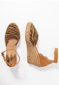 Shoe The Bear - SALOME - Plateaupumps - tan - 3