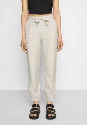 ONLVIVA LIFE PANT - Cargo trousers - pumice stone