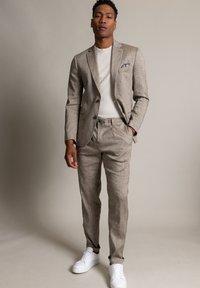 WORMLAND - Suit jacket - taupe - 1