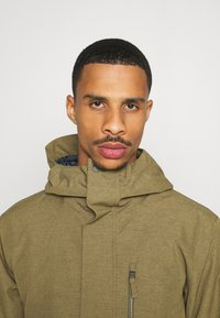 Quiksilver - MISSION SOLID - Snowboard jacket - military olive - 3