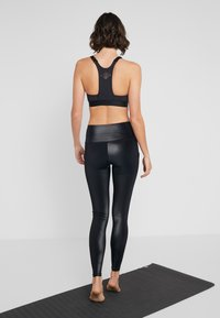 Hunkemöller - LEGGING SHINY - Leggings - black - 2