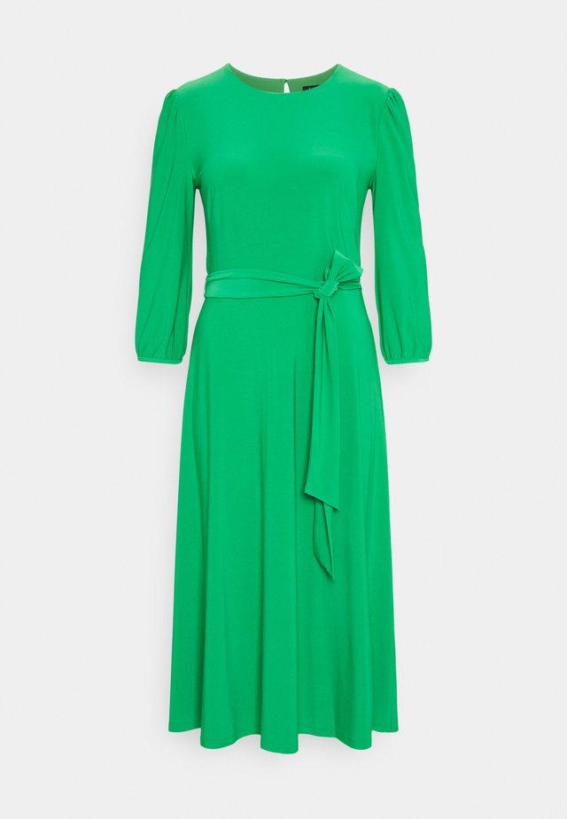 MID WEIGHT DRESS - Žerzejové šaty - stem