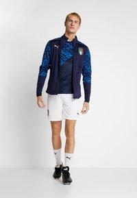 Puma - ITALIEN FIGC PREMATCH AWAY JACKET - Training jacket - peacoat team power blue - 1