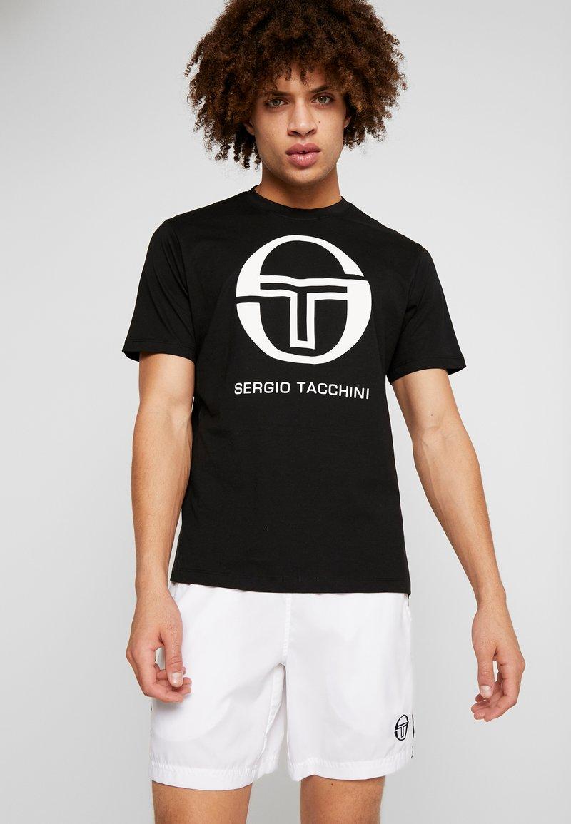 sergio tacchini - IBERIS  - Print T-shirt - black/white