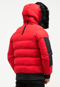 Kings Will Dream - BROMLEY PUFFER BOMBER JACKET - Viegla jaka - red - 2