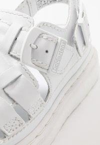 Dr. Martens - 8092 ARC SANDAL - Sandaalit nilkkaremmillä - white softy - 5