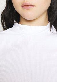 Monki - T-shirt basique - white - 5