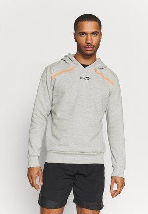 SUDADERA RUSH - Sweatshirt - grey/orange