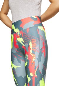 ONLY PLAY Petite - ONPALECXIA LIFE - Leggings - Trousers - goblin blue/safety yellow - 4