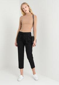 Zalando Essentials - Stickad tröja - camel - 1