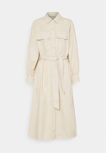 LEILAN DRESS - Jeanskjole / cowboykjoler - beige
