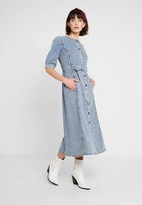 Gestuz - PIETTA DRESS - Denim dress - light-blue denim - 0