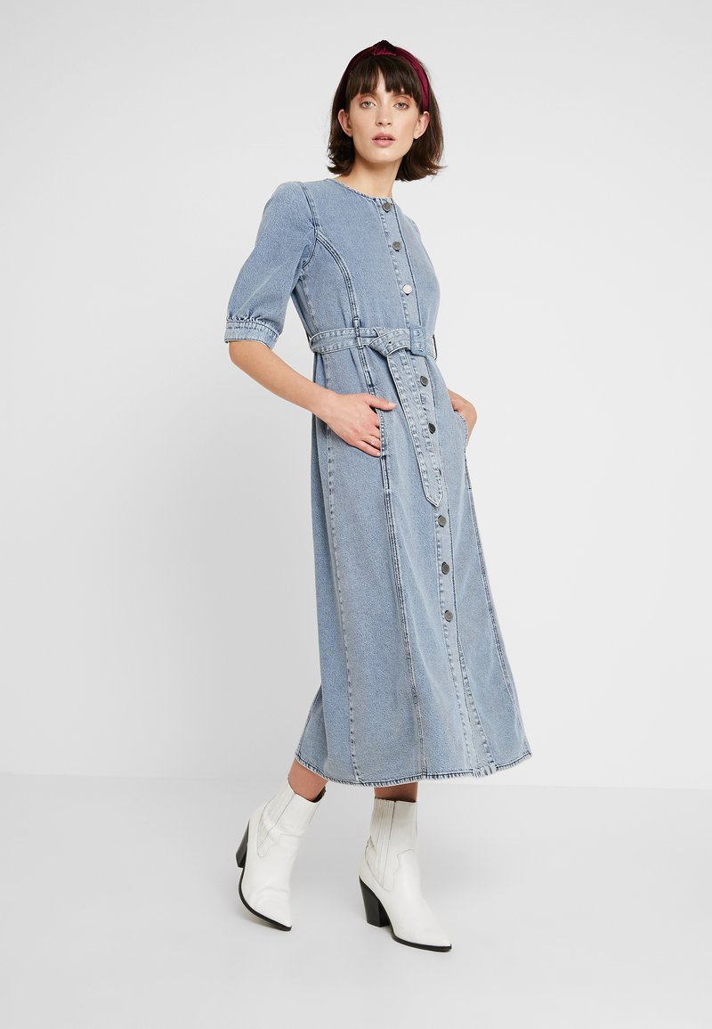 Gestuz - PIETTA DRESS - Denim dress - light-blue denim