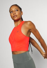 ONLY Play - ONPJASE CIRCULAR CROPPED - Camiseta de deporte - fiery coral - 3