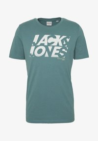 Jack & Jones - JCOPHOENIX  CREW NECK - Print T-shirt - north atlantic - 3