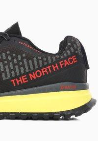 The North Face - M ULTRA SWIFT FUTURELIGHT - Sneakers laag - tnf black/tnf yellow - 5
