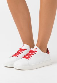 Joshua Sanders - SQUARED SHOES  - Zapatillas - white - 0