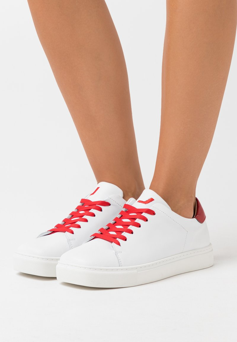 Joshua Sanders - SQUARED SHOES  - Zapatillas - white