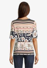 Betty Barclay - Print T-shirt - dark blue-rosé - 2