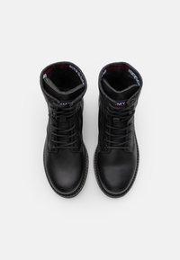 Tommy Jeans - MENS LACE UP BOOT - Botki sznurowane - black - 3
