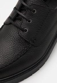 Selected Homme - SLHTIM BOAT SHOE CLEAN  - Šněrovací boty - black - 5