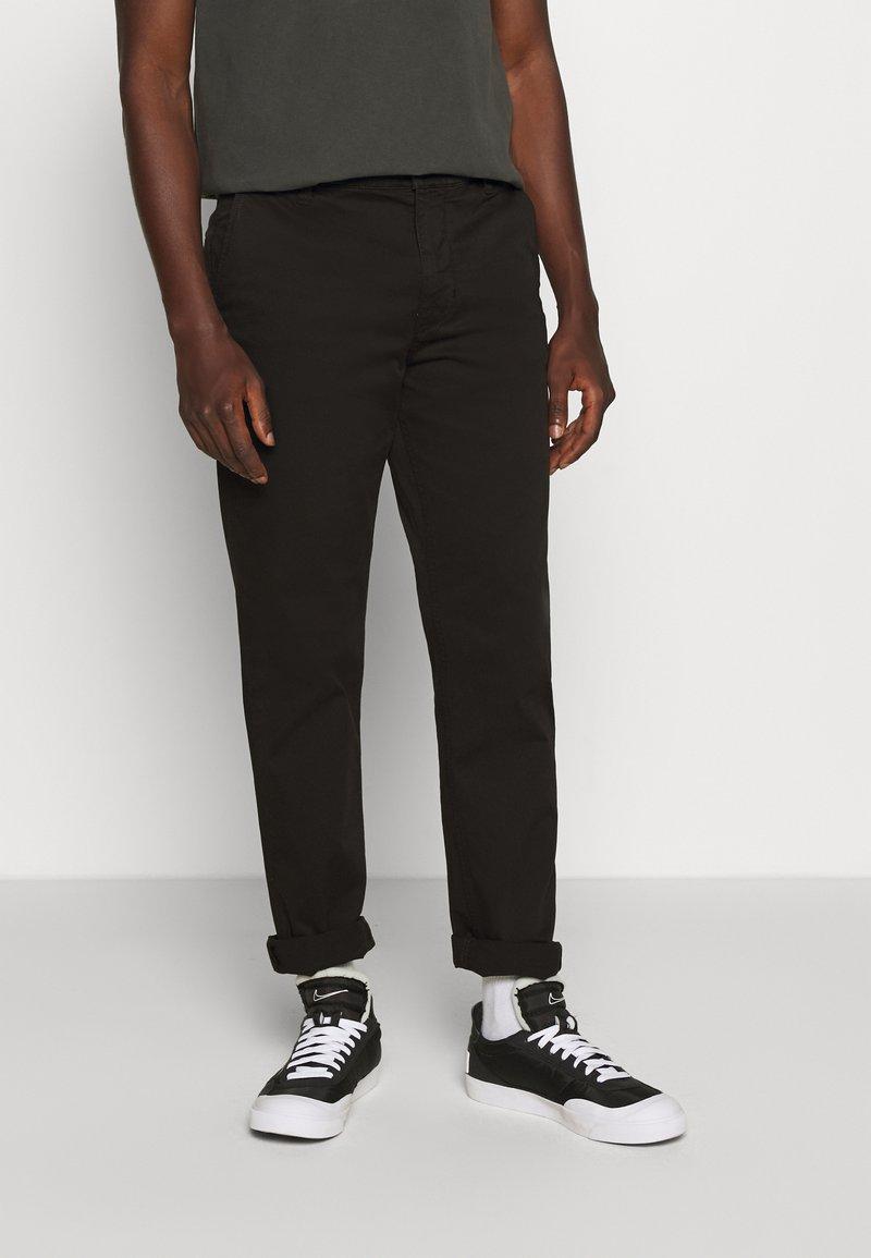 Nudie Jeans - EASY ALVIN - Chino kalhoty - black