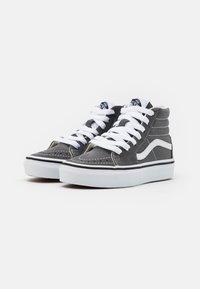 Vans - SK8 UNISEX - Zapatillas altas - pewter/true white - 1