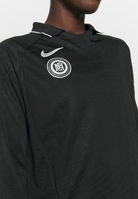 Nike Performance - Long sleeved top - black/reflective silver - 4