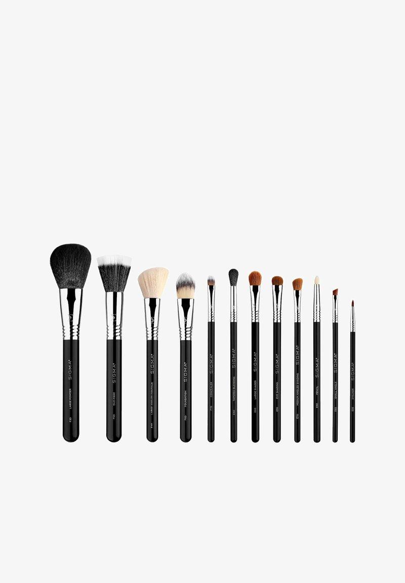 Sigma - SIGMA ESSENTIAL KIT - Makeup accessory - -